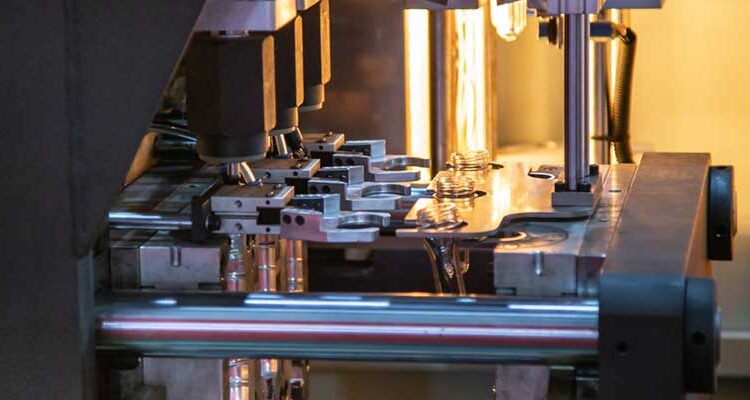 What makes manufactures to choose Two-stage Blow Molding Machine?